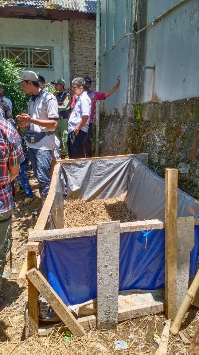 Desa Kedungwungu pusat budidaya belut dan olahan belut
